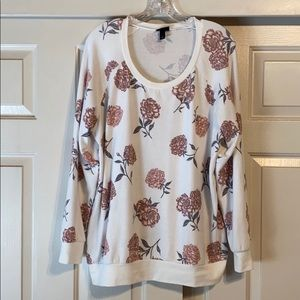 White and floral long sleeve top